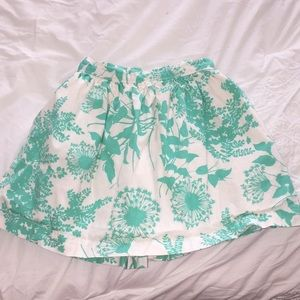 Girls floral gap skirt size 4 very good condition